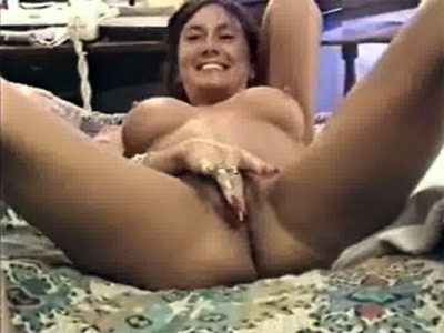 Mature Woman Sharing her Pussy to a Horny Stud
